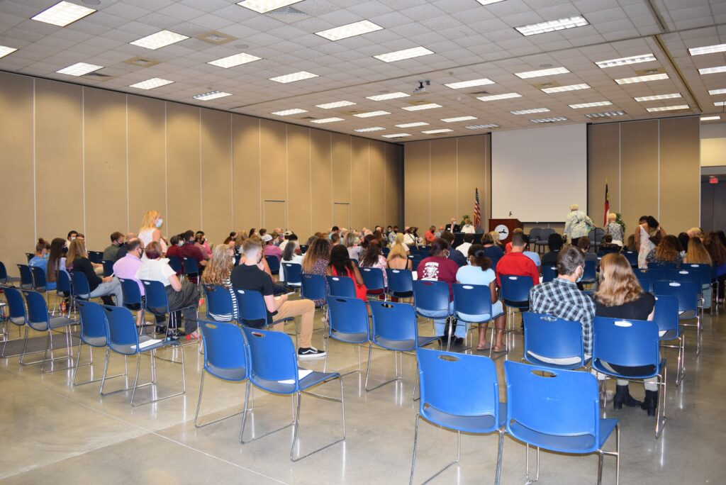 MCC scholarship recipients and donors meet at annual ceremony.